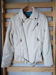 White Jacket, leather like finish