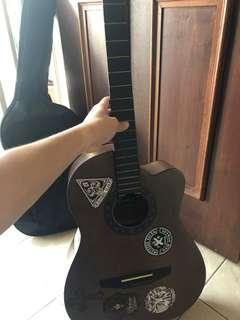 🚚 Synchronium guitar
