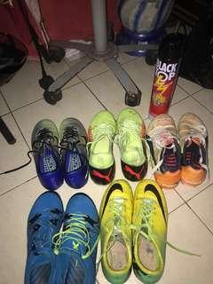 🚚 Football boots