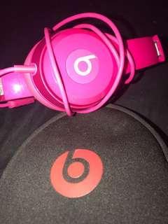 pink solo 2 beat headphones (price drop)