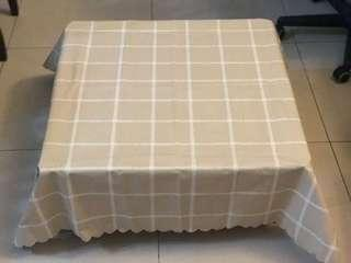 Low Foldable Table + Table Cloth