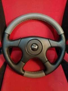 原廠意大利制MOMO 直皮軚盤 合用Toyota