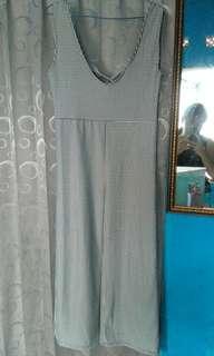 Jumpsuit hitam putih