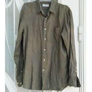 Uniqlo long sleeved button up shirt
