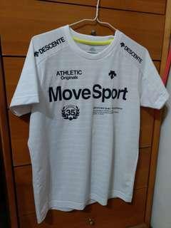 日本帶回   最近在韓國火紅的品牌 Descente 短袖T-shirt 保證正品 S號