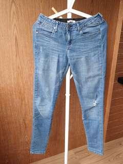 Wrangler Ripped Jeans