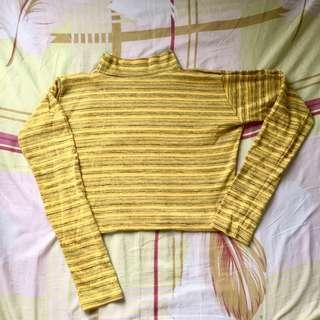 SALE‼️Yellow crop pullover