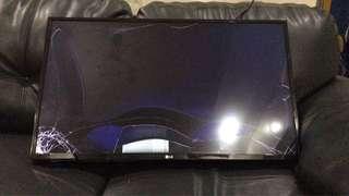Tv Smart LG nyala ada suara retak