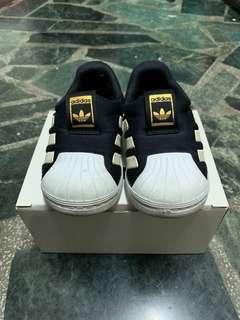 🚚 Adidas正版金標鞋(全長15公分)