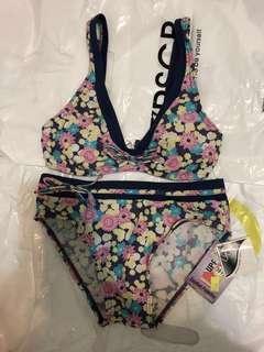 Arena Bikini 泳衣 Size 32