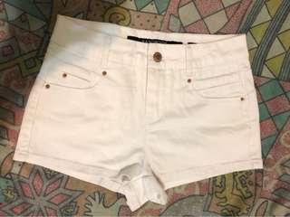 女裝 白色牛仔短褲