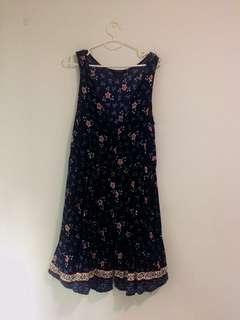 🚚 Pinafore dress