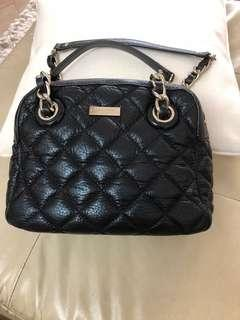 Preloved Authentic Kate Spade black quilted bag. Condition good n clean inside n out. Light n spacious, can put alot of things. Retail @$600 plus.