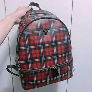 🚚 Guess 學院風 格紋後背包