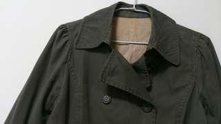 軍綠色棉質外套