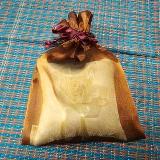 Poh Heng Wedding Ring Pillow with Pretty Bag