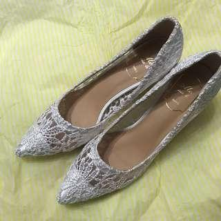 白色lace 高跟鞋