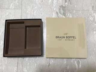 Braun Buffel wallet Box.