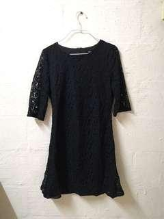 🚚 Black Lace Dress with Sleeves