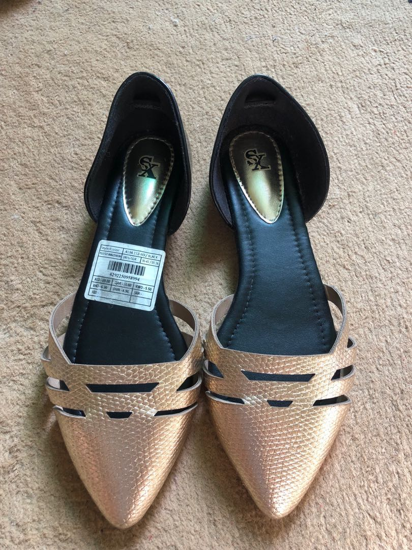 45b6faade3a Black gold flat shoes (free delivery)