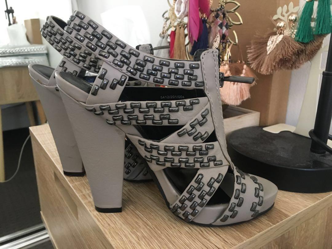 $15 SALE Chunky heels by ZARA - Size 36
