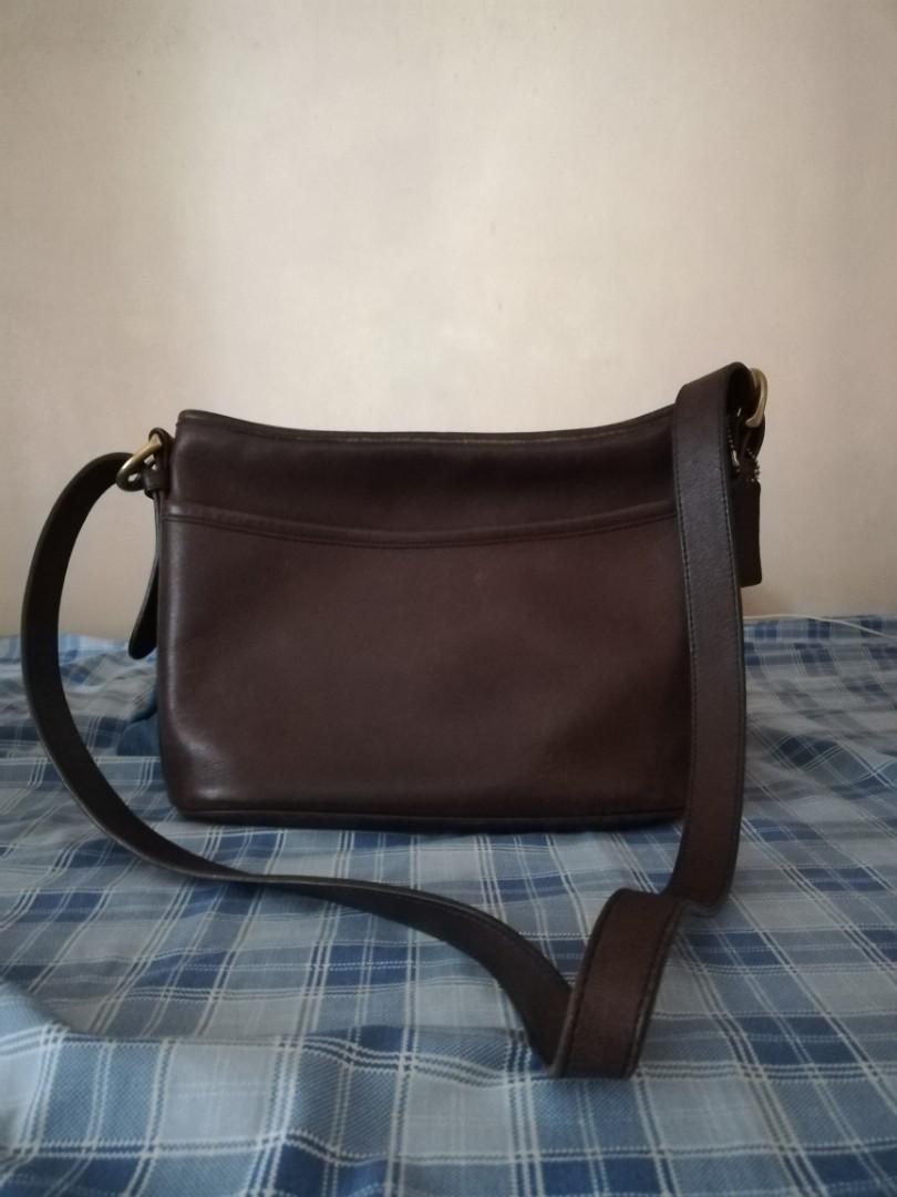 c2433a04a3b2 Coach - Vintage Body Bag
