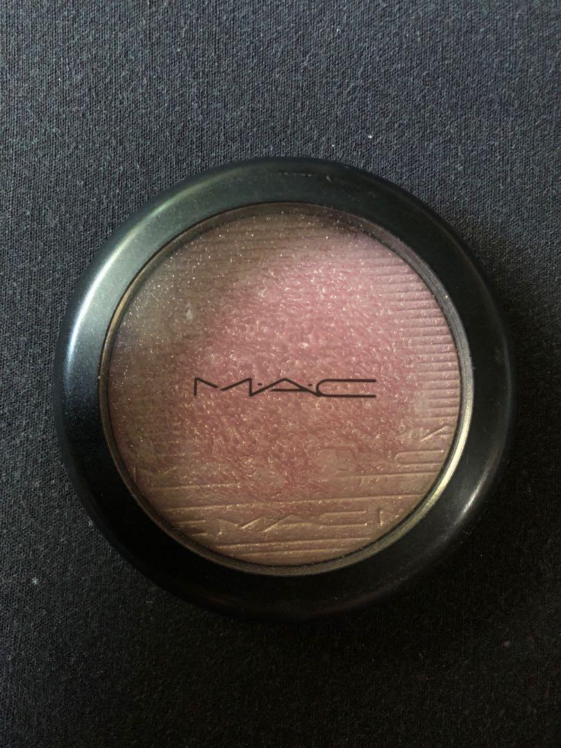 Mac Bleaming Blush Highlighter