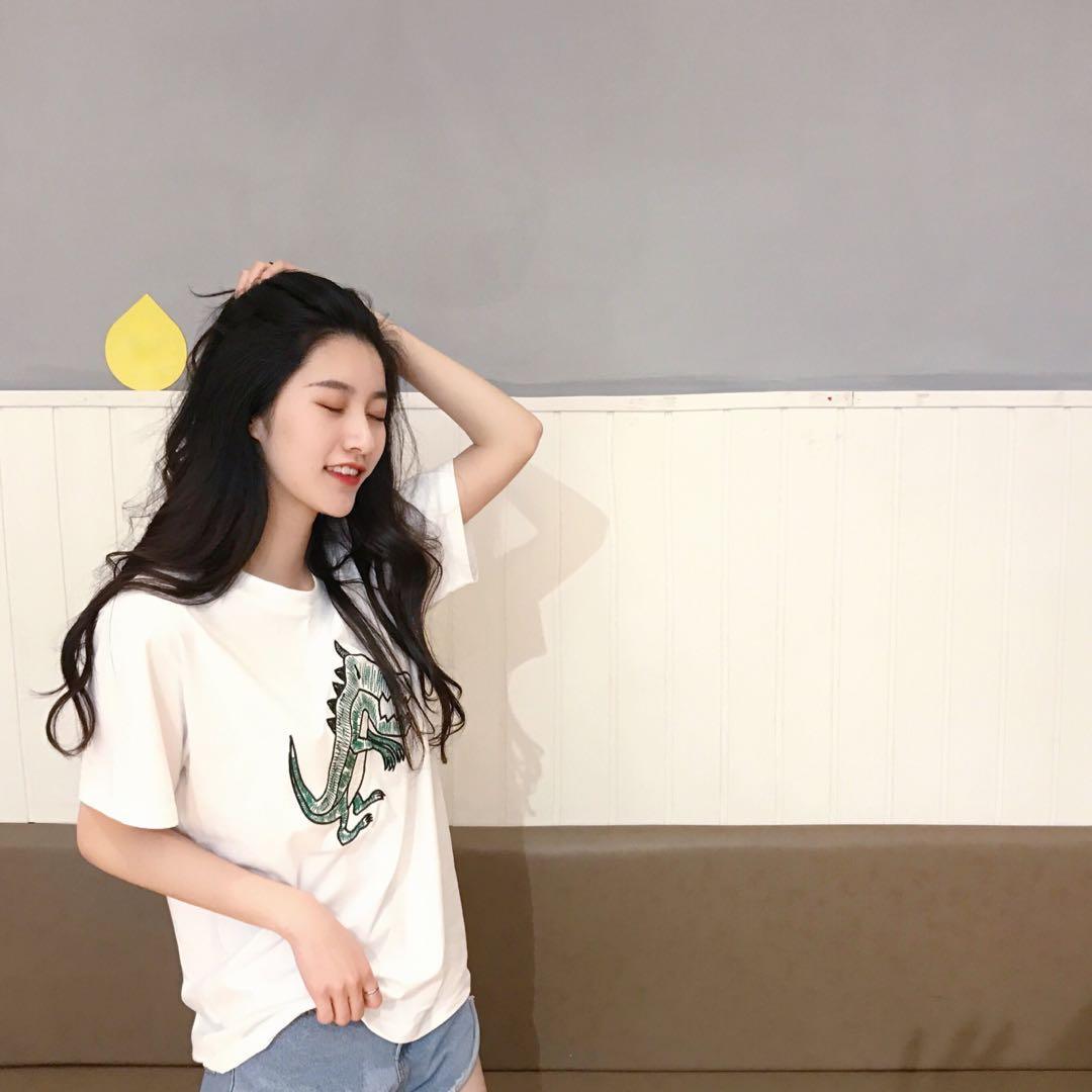 ❤️實拍🇰🇷韓國簡單淨色刺繡tee