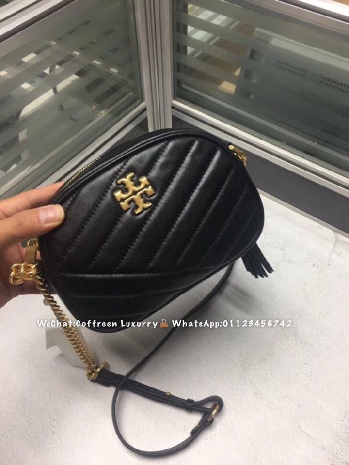 d94cb7c281429 Tory burch kira chevron small camera bag, Luxury, Bags & Wallets on  Carousell