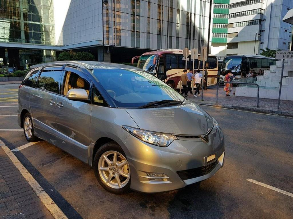 Toyota ESTIMA AERA S