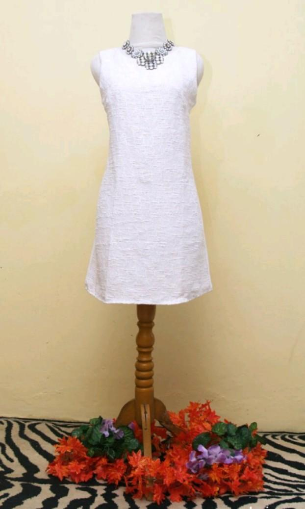 White Dress mini putih