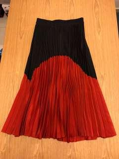 WORN ONCE Red/Black silky pleated skirt
