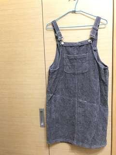 灰色吊帶裙