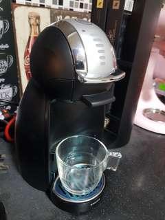 (Warranty Yes) Nescafé Dolce Gusto Genio 2 Black