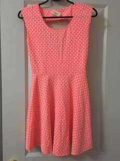 $10 DRESS SIZE MEDIUM