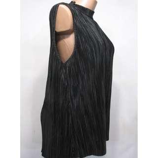 NWT H&M black shirt