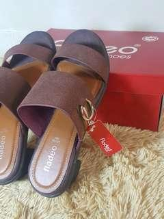 NEW Sandal fladeo size 37