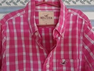 STEAL! HOLLISTER BUTTON DOWN GOOD AS BRAND NEW