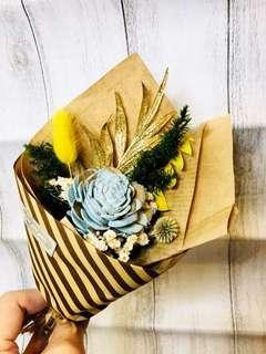 🚚 雙色藍色索拉玫瑰小花束