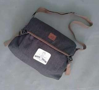 EXPORT MASSENGER BAG