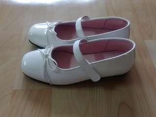 🚚 全新32號女童亮皮鞋