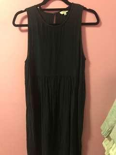 Aritzia Looz Dress in Black Size Small