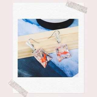 [po] cute earrings (goldfish)