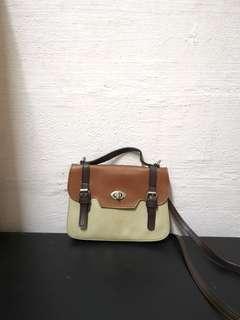 🚚 Vintage Mini Handbag
