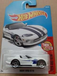 🚚 Hot Wheels Dodge Viper RT/10
