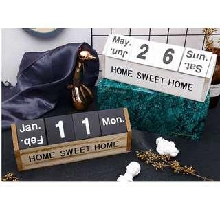 🚚 zakka生活雜貨 木製日曆 木制 臺歷 桌曆 桌上曆 曆台 萬年曆 房子造型 黑色 白色 台灣出貨 OOT31F