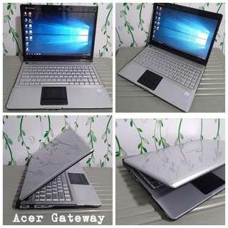 Acer /toshiba Laptop Windows 10 4gb ram