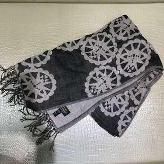 🚚 Vivienne westwood圍巾