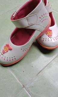 Sepatu anak < 3th