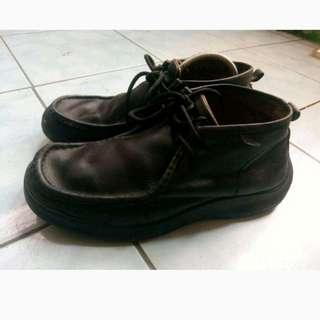 LACOSTE Boots Original Autentik size 42.
